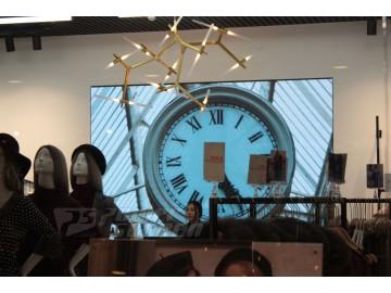 LED экран в бутике Lichi